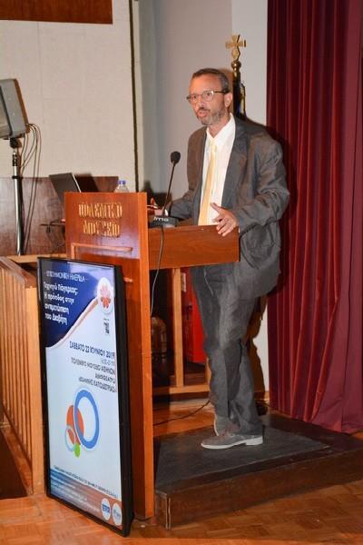 •Σταύρος Λιάτης:  Παθολόγος – Διαβητολόγος, εκπρόσωπος της Ελληνικής Διαβητολογικής Εταιρείας ΕΔΕ