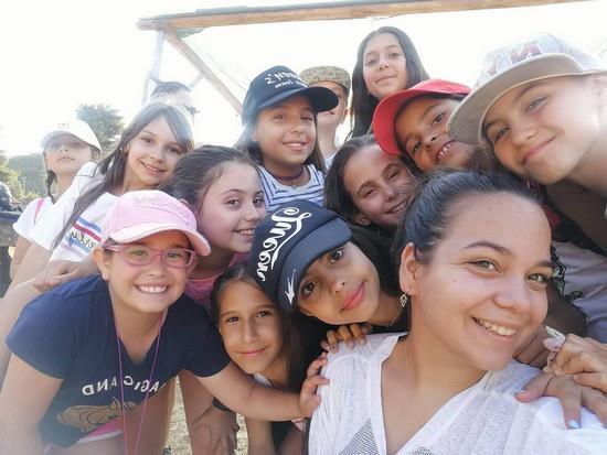 ομάδα μεσαίων κοριτσιών