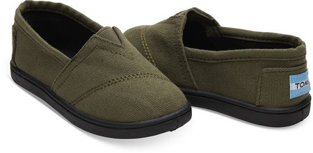 Δωρεάν παπούτσια TOMS για τα μέλη της ΠΕΑΝΔ