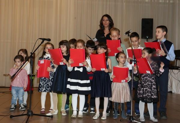 η παιδική χορωδία της ΠΕΑΝΔ