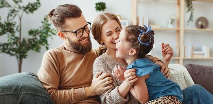 Έφηβοι & κορωνοϊός: Οδηγίες για τους γονείς πριν καταρρεύσουν!
