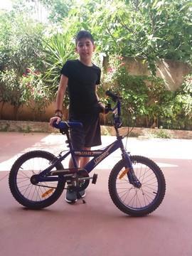 ΧΑΡΊΖΕΤΑΙ Παιδικό Ποδήλατο απο ένα μικρό ήρωα!!